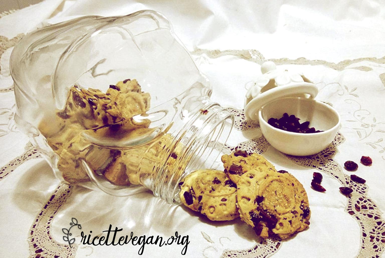 Biscotti di Farro con Gocce di Cioccolato e Frutti Rossi
