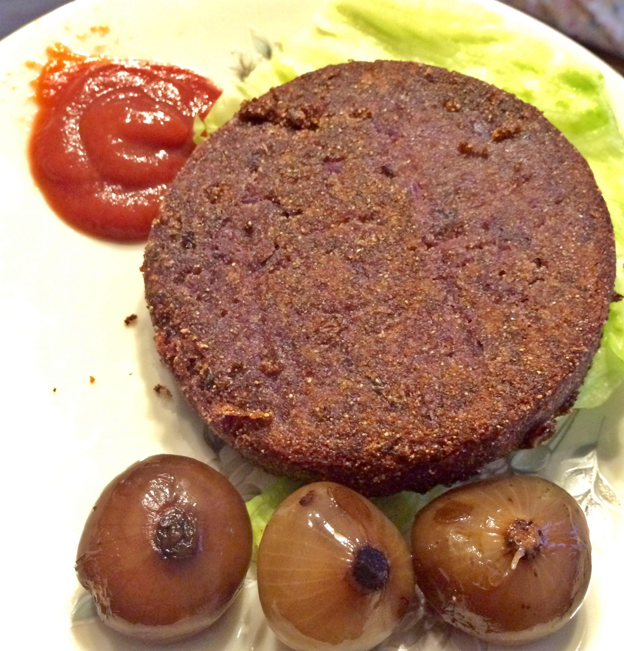 hamburger di cavolo rosso e olive