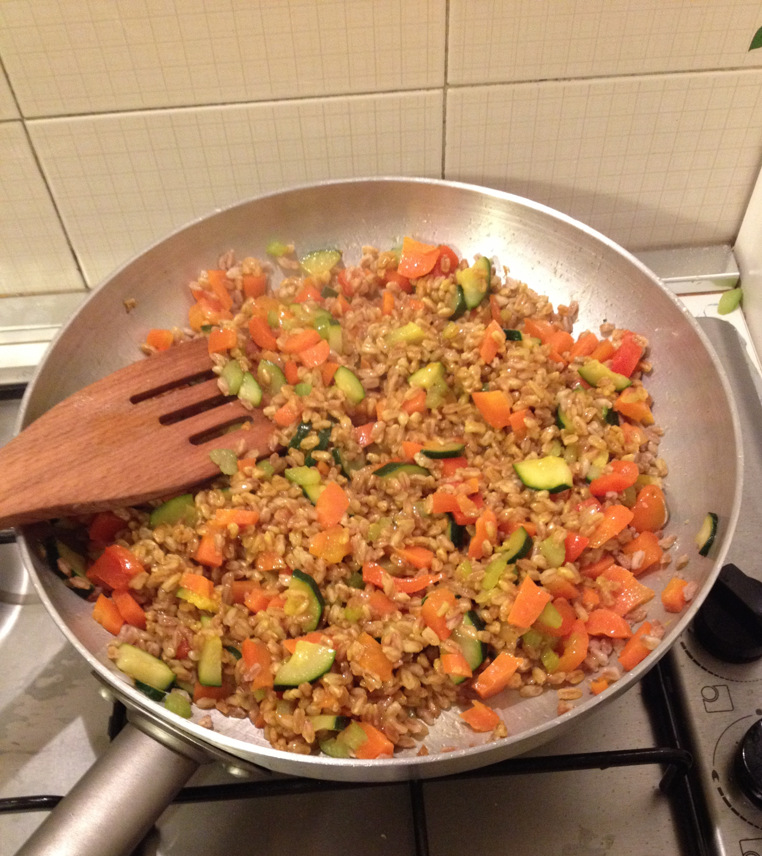 ricettevegan.org - farro con verdure e zafferano 3