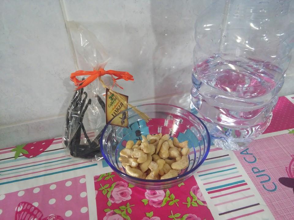 ricettevegan.org - latte di anacardi -  ingredienti