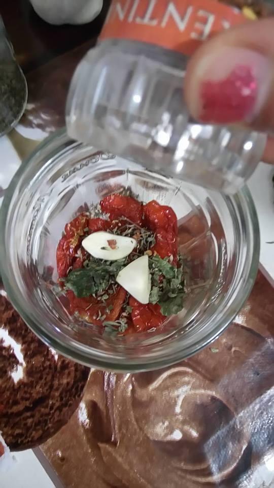 ricettevegan-org-pomodori-secchi-sottolio-5